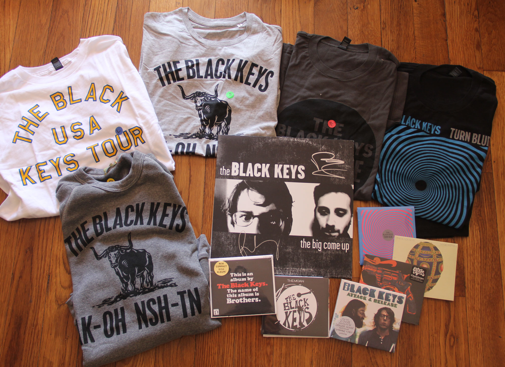 Black keys t shirt uk - The Black Keys Discography And Mega Merch Bundle